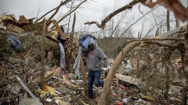 Pemerintah daerah Georgia dan Alabama pun sudah merilis peringatan tornado. (AP Photo/David Goldman)