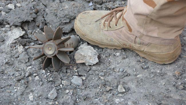 Bom 125 Kg Milik TNI AU Jatuh di Kebun Tebu Warga Lumajang