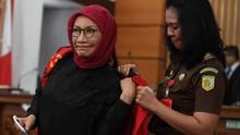 Ratna Respons Penolakan Eksepsi: Supaya Saya Lama Dipenjara