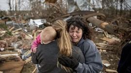FOTO: Jejak Amuk Tornado di Alabama