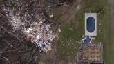 Sebanyak 23 orang tewas di akibat terjangan tornado di Alabama. (AP Photo/David Goldman)