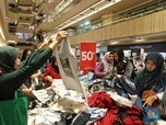 Jualan Sandang Laris Manis, Penjualan Eceran Februari Melesat