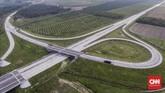 Suasana Interchange Helvetia konstruksi proyek pembangunan Jalan Tol Medan - Binjai seksi I, Sumatera Utara, Rabu 6 Maret 2019. Jalan Tol Medan - Binjai seksi I sepanjang 6,7 KM tersebut pengerjaannya telah rampung sekitar 80 persen dan ditargetkan akan beroperasi pada akhir Tahun 2019. (CNN Indonesia/Adhi Wicaksono)