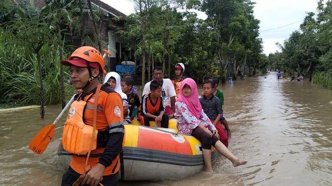 Ratusan Warga di Ponorogo Masih Terjebak Banjir