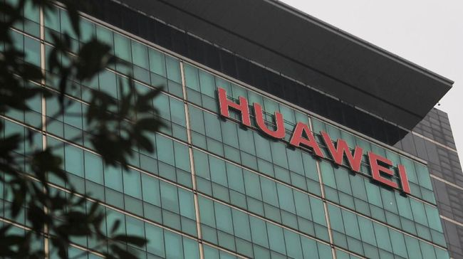 Trump Larang Huawei Beli Teknologi dari AS