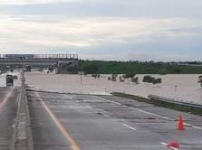 Ini Penampakan Tol Ngawi-Kertosono yang Dilanda Banjir