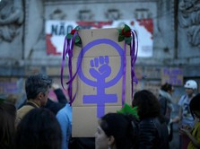 Dari Polisi hingga Ojol, Inilah Profesi Perempuan di Dunia