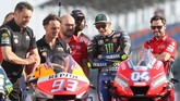 Selain pemotretan 22 pebalap, dilakukan juga pemotretan 11 sepeda motor perwakilan tim di MotoGP 2019. (KARIM JAAFAR / AFP)