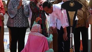 Terobos Paspampres, Ibu-ibu Curhat Ganti Rugi Lahan ke Jokowi