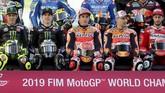 Valentino Rossi, Maverick Vinales, Marc Marquez, Jorge Lorenzo, dan Andrea Dovizioso dalam sesi pemotretan. Kelima pebalap dianggap sebagai kandidat juara dunia MotoGP 2019. (KARIM JAAFAR / AFP)
