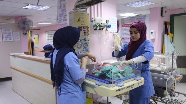 Di sisi lain, norma dan tradisi di Jalur Gaza menekan para perempuan untuk tidak melakukan pekerjaan seperti lelaki. (REUTERS/Samar Abo Elouf)