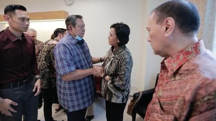 Sri Mulyani Cs Jenguk Ani Yudhoyono di NUH Singapura