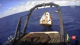 VIDEO: Pendaratan Kapsul SpaceX Crew Dragon di Bumi