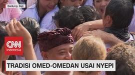 Tradisi Omed-Omedan Usai Nyepi