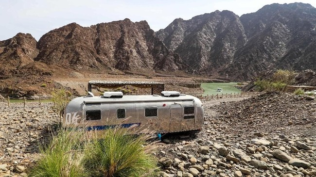 Kini, glamping merupakan salah satu hal yang ditawarkan Dubai bagi para pelancong. (AFP/Karim Sahib)