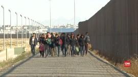 VIDEO: Pagar Perbatasan AS-Meksiko Tak Kurangi Pencari Suaka