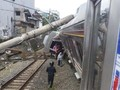 KRL Jakarta-Bogor Terguling, Evakuasi Sedang Dilakukan