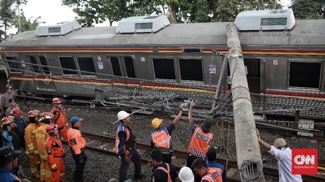 VP Komunikasi Perusahaan Kereta Api, Eva Chairunisa menyatakan pihaknya masih menyelidiki penyebab terjadinya insiden ini.(CNN Indonesia/Andry Novelino)
