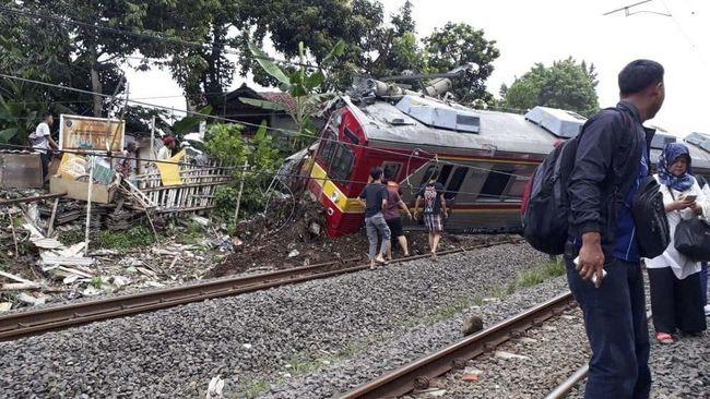 KRL Anjlok, KCI Sebut Penumpang Bisa Refund Tiket Kereta