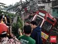 FOTO: KRL Jakarta-Bogor Anjlok di Kebon Pedes
