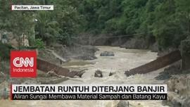 Jembatan Gantung Runtuh Diterjang Banjir
