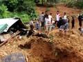 VIDEO: Jalur Terputus, Bantuan Longsor Manggarai Tak Sampai