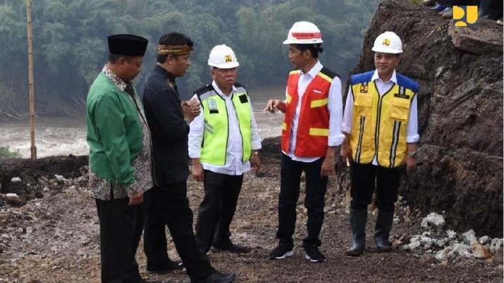 Jokowi kebut pembangunan terowongan Nanjung demi Citarum Harum