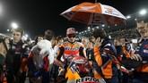 Juara dunia MotoGP 2018, Marc Marquez mengawali MotoGP Qatar 2019 dengan menempati posisi start urutan ketiga di belakang Maverick Vinales dan Andrea Dovizioso. (REUTERS/Ibraheem Al Omari)
