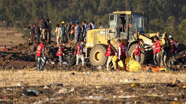 New York Times melaporkan pilot sempat meminta izin untuk kembali ke Bandara Addis Ababa tiga menit setelah lepas landas.
