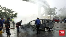 Usai Servis, Nissan Grand Livina Terbakar di Palembang
