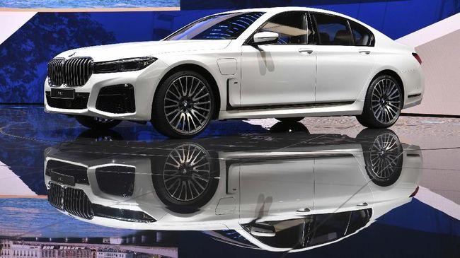 BMW dan Mercedes-Benz Pangkas Harga di China