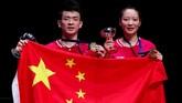 China jadi negara peraih gelar terbanyak All England 2019 usai Zheng Siwei/Huang Yaqiong merebut gelar juara di nomor ganda campuran dengan mengalahkan Yuta Watanabe/Arisa Higashino. (Reuters/Andrew Boyers)