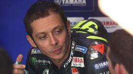 Hamilton Sempat Mencegat Rossi Sebelum MotoGP Qatar