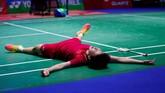 Chen Yufei meluapkan kegembiraannya karena berhasil mengalahkan pebulutangkis nomor satu dunia, Tai Tzu Ying di final tunggal putri dengan skor 21-17, 21-17. (Reuters/Andrew Boyers)