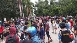 VIDEO: Mahasiswa Protes Izin Tambang di Pulau Wawonii