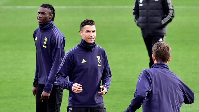 Setelah tujuh musim selalu mencetak 10 gol atau lebih di Liga Champions, musim ini Cristiano Ronaldo masih mencari gol kedua di kompetisi antarklub benua biru tersebut. (REUTERS/Massimo Pinca)