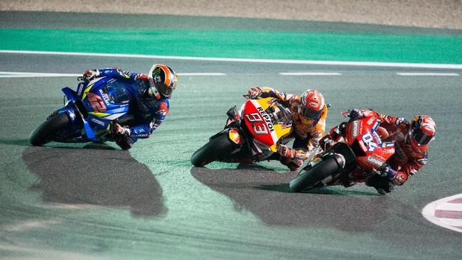 Meski gagal naik podium, Suzuki menunjukkan mampu bersaing di MotoGP 2019. Alex Rins berhasil finis posisi keempat, sedangkan Joan Mir finis kedelapan. Di satu titik balapan, Rins dan Mir sempat secara berurutan di posisi tiga dan empat. (REUTERS)
