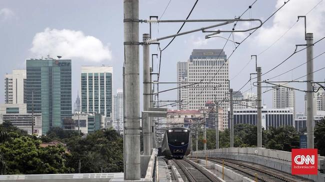 Pada operasi terbatas hari ini, MRT Jakarta akan mengangkut sebanyak 4 ribu penumpang mulai pukul 08.00 sampai 16.00 WIB. (CNNIndonesia/Safir Makki).