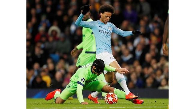 Schalke 04 menampilkan perlawanan yang cukup sengit hingga laga mencapai setengah jam dengan menahan Man City tanpa gol. (Action Images via Reuters/Lee Smith)