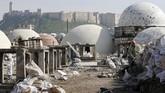 PBB menyatakan sekitar 60 persen bangunan bersejara di Aleppo hancur karena perang saudara di Suriah. (Photo by LOUAI BESHARA / AFP)
