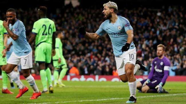 Pesta gol Manchester City 7-0 atas Schalke pada leg kedua. Man City cetak rekor kemenangan terbesar dari klub Inggris di Liga Champions dengan agregat 10-2. (REUTERS/Andrew Yates)