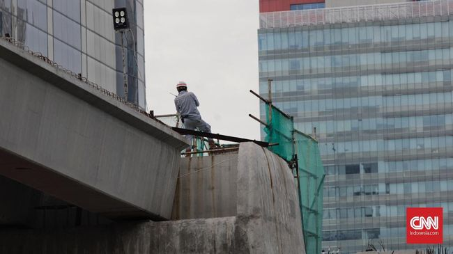 Adhi Karya Bangun Jalur Kereta Layang Jakarta pada 2020