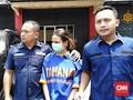 Feby Febiola Besuk Vanessa Angel di Tahanan Polda Jatim
