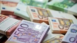 Euro Terperosok Jelang Pertemuan Bank Sentral Eropa