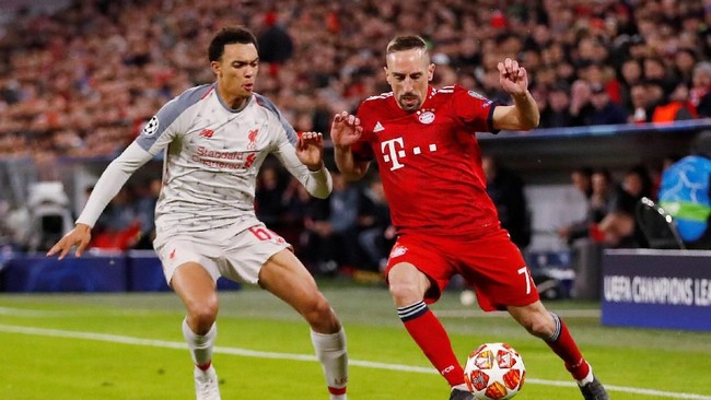 Setelah leg pertama di Inggris berkesudahan dengan skor imbang tanpa gol, Bayern Munchen dan Liverpool memburu gol dan kemenangan di Stadion Allianz Arena, Kamis (14/3) dini hari WIB. (Action Images via Reuters/Andrew Boyers)