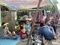 Pascabom Sibolga, Warga Masak dan Tidur di Pinggir Jalan