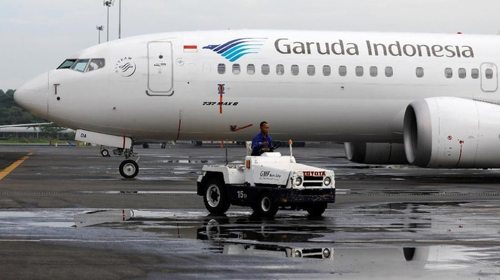 A seal is seen on Garuda Indonesia's Boeing 737 Max 8 airplane parked at the Garuda Maintenance Facility AeroAsia, at Soekarno-Hatta International airport near Jakarta, Indonesia, March 13, 2019. REUTERS/Willy Kurniawan