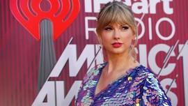Setelah Pohon Palem, Taylor Swift 'Goda' Fan dengan Kupu-kupu