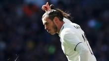 Bale Hentikan Olok-olok Fan Madrid dengan Acungan Jempol