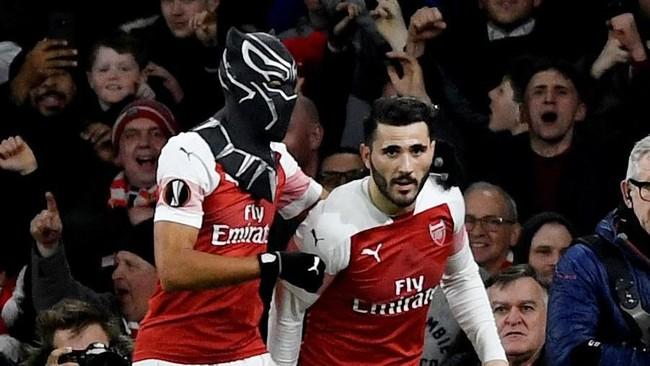Keberhasilan Aubameyang menyelesaikan umpan Kolasinac membuatnya mencetak empat gol di Liga Europa musim ini. (Action Images via Reuters/Tony O'Brien)